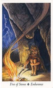 Lá Five of Stones - Wildwood Tarot 1