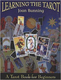 11 Cuốn Sách Hướng Dẫn Tarot Dành Cho Người Mới 1