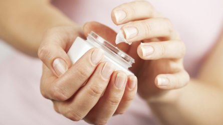 Những thành phần độc hại trong mỹ phẩm bạn cần tránh